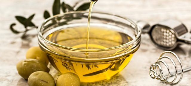 olive oil bowl, healthy fats for keto.