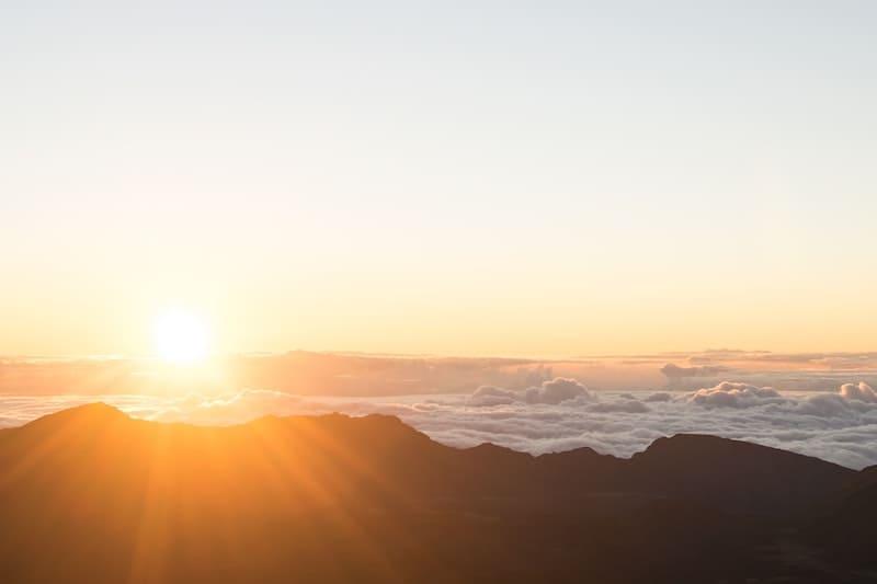 5 beneficios de la luz del Sol que te darán la excusa perfecta para broncearte